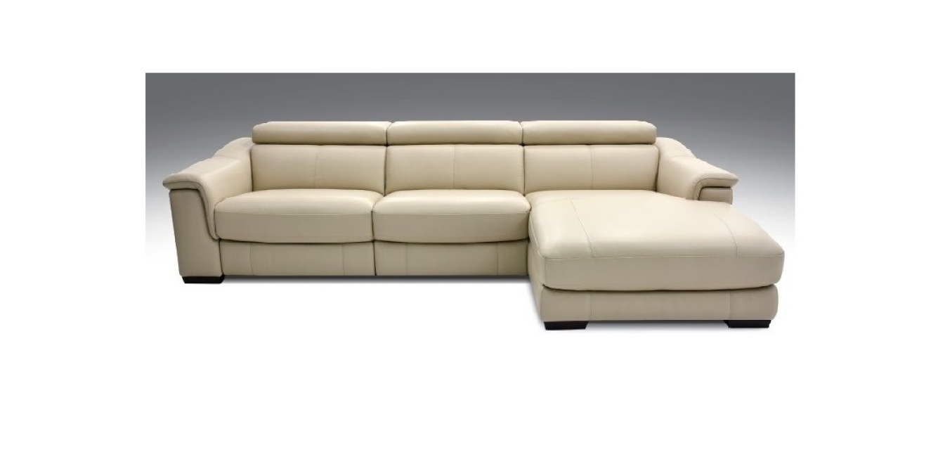 Leather sectionals at design manitoba for Design studio sectional sofa