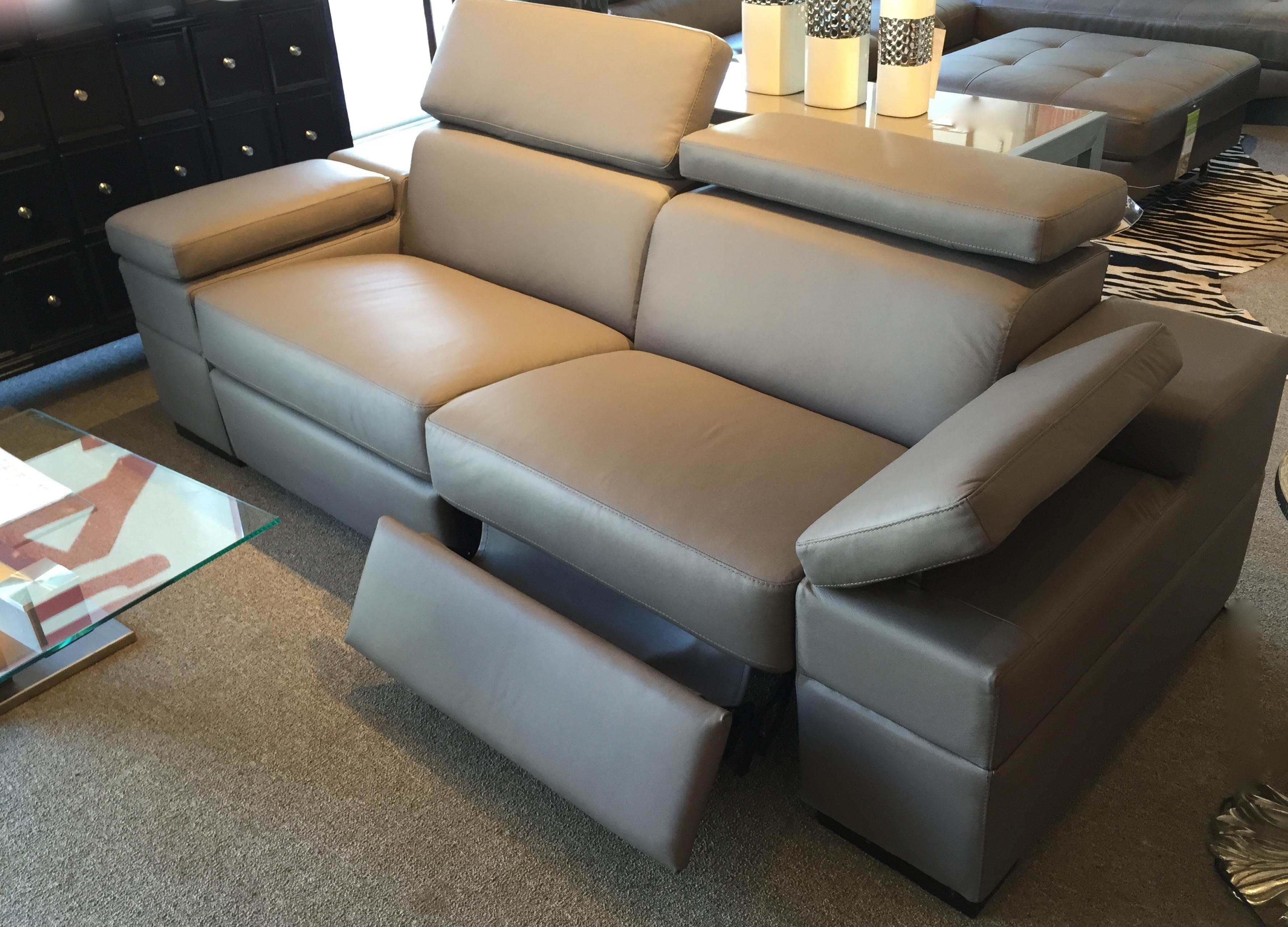 The Zuri Sofa From Palliser Showroom 400 At 220elm Hpmkt Palliser